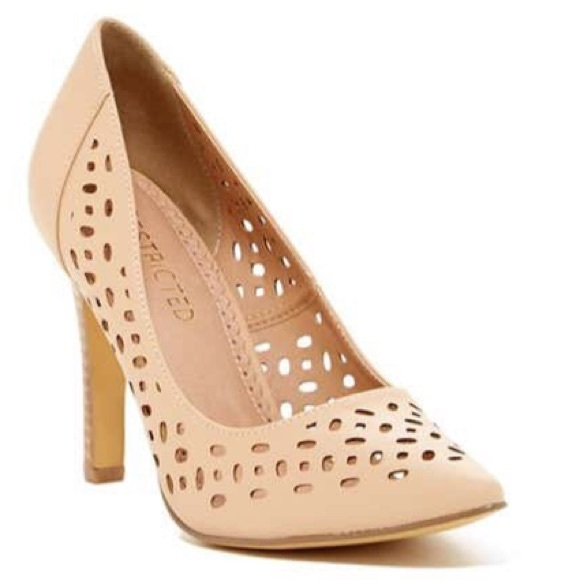 Restricted Shoes - Women's nude pump